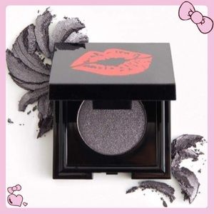 That's So Betty Up Past Midnight Eyeshadow Single